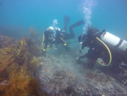 Maritime archaeologists, Irini Malliaros and Tim Zapor inspect the wreck site. Copyright: Kieran Hosty/ANMM.